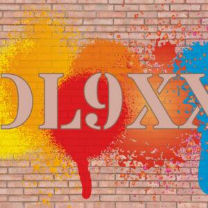 QSL-Karten Vorlage mit Graffitimotiv auf Ziegelsteinwand