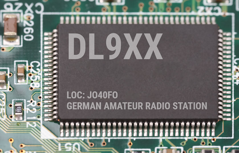 QSL-Karten Vorlage mit Leiterplatte als Hintergrund